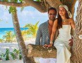 كريم فهمي وزوجته فى صور رومانسية بمالديف..وأحمد فهمي:أنتو فى جنينة الأورمان
