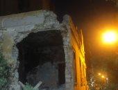 انهيار منزل بالإسماعيلية عمره 100 عام دون خسائر بشرية.. فيديو