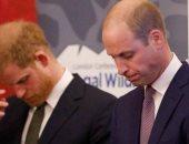 """خبير ملكى: الأمير هارى يعتقد أن شقيقه وليام """"محاصر"""" داخل العائلة المالكة"""
