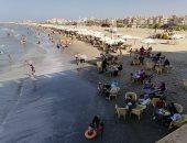 إقبال على شاطئ محافظة بورسعيد واليوم بـ40 جنيها للأسرة الواحدة.. لايف وصور