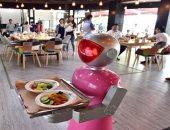 كله بالروبوت.. مطاعم لاتعتمد على البشر من المطبخ للكاشير حتى استقبال الزبائن