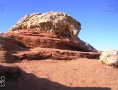 """""""قطع زجاجية طبيعية"""".. جبل الكريستال بالصحراء البيضاء سحر لا يقاوم (ألبوم صور)"""