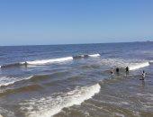 تفاصيل العثور على جثة رابع حالة غرق خلال يوم في شاطئ بورسعيد.. لايف