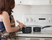 """5 أخطاء شائعة في المطبخ يجب أن تتجنبيها..""""تذوق الطعام خلال الطهى أبرزها"""""""