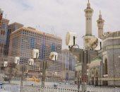 رئاسة الحرمين تدفع بـ250 مروحة رذاذ لتلطيف أجواء المسجد الحرام لخدمة الزوار