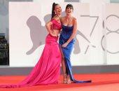 على السجادة الحمراء.. مشاهير العالم فى مهرجان فينيسيا السينمائى.. ألبوم صور