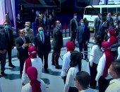 كام واحد بيدخن؟ شاهد كيف مازح الرئيس السيسي القيادات الشابة بميناء الإسكندرية
