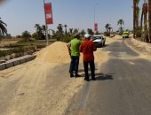 شاهد أعمال التطوير والتجميل بطريق المطار استعدادا للموسم السياحى الجديد بالأقصر