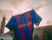 برشلونة يكشف عن قميص دورى أبطال أوروبا.. صور