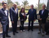 محافظ جنوب سيناء يلتقى وفد شركة إينى الإيطالية للبترول لتفعيل المشاركة الاجتماعية