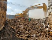 نظافة القاهرة ترفع 500 طن مخلفات بمحيط سور مجرى العيون
