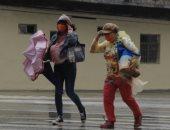 إعصار تشانتو يتسبب فى انقطاع الكهرباء عن الآلاف بتايوان.. صور