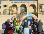أجواء احتفالية فى أول يوم دراسى بالمدرسة الدولية الحكومية بالشيخ زايد.. صور