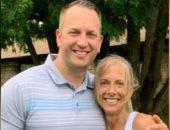 أم تجتمع مع ابنها بالصدفة بعد 30 عاما بسبب الـ DNA.. صور