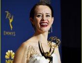 صور.. دور كلير فوى كضيف شرف يقودها للفوز بجائزة الـ Emmy عن The Crown
