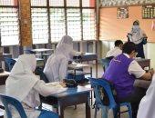 ماليزيا تكلف 2500 معلم بمهام أخرى غير التدريس بسبب رفضهم تطعيم كورونا