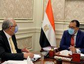 رئيس الوزراء يستعرض مع وزير الزراعة مشروع المزارع المصرية النموذجية المشتركة بأفريقيا