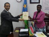 السفير المصرى بجنوب السودان يلتقى رئيسة المجلس التشريعى الانتقالى