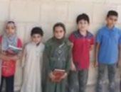 أطفال الجنة يحملون القرآن الكريم ويواصلون الدعاء على قبر محمود العربى بالمنوفية.. لايف
