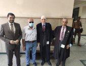 """وصول الطبيب عمرو خيرى المحكمة لنظر استئنافه على حبسه بقضية """"اسجد للكلب"""""""