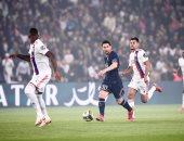 الكرة تعاند ميسى في شوط سلبي بين باريس سان جيرمان ضد ليون بـ الدوري الفرنسي