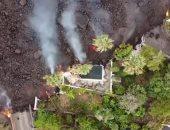 مشاهد جديدة من تسرب حمم بركانية داخل منازل فى جزر الكنارى.. فيديو وصور