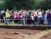 العثور على مبنى رومانى قديم مدفون تحت حقل فى شمال ويلز.. صور