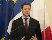 فرنسا: ندرس جميع الخيارات للرد على تخلى أستراليا عن عقد الغواصات