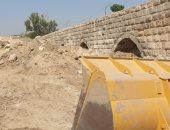 نظافة القاهرة ترفع 700 طن مخلفات هدم خلف سور مجرى العيون