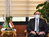 وزير الطيران يلتقى سفير البرازيل لبحث العلاقات الثنائية بين البلدين