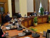 رئيس الوزراء يتابع الموقف التنفيذي لعدد من المشروعات بمحافظة السويس .. صور