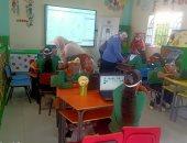 وزيرة التضامن ومحافظ الفيوم يتفقدان إحدى مدارس التعليم المجتمعى.. صور