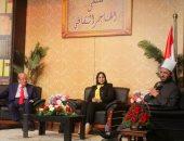 مشاركون بملتقى الهناجر: ثورة مصر الحقيقية فى العلم والمعرفة ومكانتها التاريخية