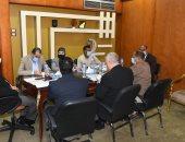 محافظ قنا يترأس لجنة اختيار قيادات مديريه التنظيم والإدارة