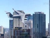 طائرة شحن أسترالية تثير ذعر السكان لتحليقها المنخفض وسط ناطحات السحاب