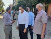 محافظ الشرقية يفاجئ قرية العزيزية ويشدد على أعمال النظافة وصيانة أعمدة الكهرباء