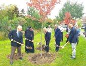 وزيرة الهجرة تهنئ الأب أنجيليوس لتكريمه وإطلاق اسمه على حديقة بكندا