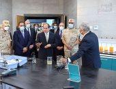 الرئيس السيسي يجرى جولة تفقدية داخل محطة معالجة مياه مصرف بحر البقر