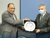 الفريق أسامة ربيع يستقبل وفد جمعية كتاب البيئة والتنمية المصرية