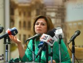 إلهام شاهين: والدى أدخلنى جامعة الأزهر بسبب الاختلاط