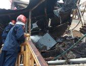 الحماية المدنية بالإسكندرية تواصل تبريد حريق مطعم بمنطقة جليم .. صور