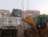 إزالة إشغالات وتراكمات قمامة خلال حملة مكبرة بمدن أسوان.. صور