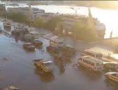 غرق طريق كورنيش النيل بمدينة أسوان بعد انفجار ماسورة مياه