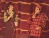 قبل عرض حلقة هنيدى مع منى الشاذلى.. صورة عمرها 23 عاما جمعتهما سويا