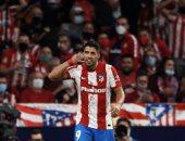 سواريز يكشف سر احتفال الهاتف خلال مباراة أتلتيكو مدريد ضد برشلونة