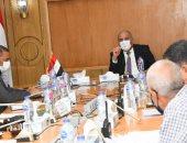 تفاصيل اجتماع محافظ قنا لمتابعة الموقف التنفيذى لمشروعات الصرف الصحى