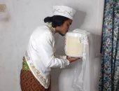 جوازة عجيبة.. إندونيسى يتزوج آلة طبخ الأرز ويطلقها بعد 4 أيام.. صور