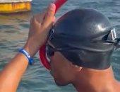 شاهد لحظة انطلاق رحلة السباح سيد باروكى نحو موسوعة جينيس بعبور قناة السويس