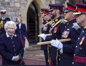 ملكة بريطانيا تزور الفوج الملكى للمدفعية الكندية