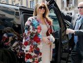 8 سيدات أوائل بأمريكا ارتدين ملابس عرضتهن لانتقادات.. جاكيت ميلانيا الأشهر